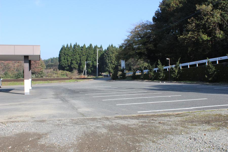 にしはら葬祭 セレモニーホール想風:駐車場